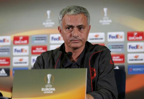 Mourinho lý giải việc Schweinteiger được trở lại tập luyện ở Man Utd