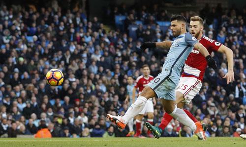 Man City đánh rơi chiến thắng vì bàn thua ở phút bù giờ