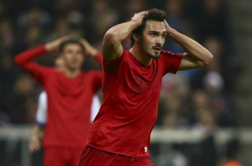 Bayern ngược dòng giành một điểm trước Hoffenheim