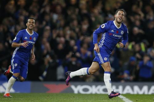 Chelsea đè bẹp Everton, chiếm ngôi đầu Ngoại hạng Anh