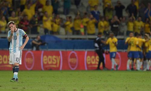 """Messi: """"Argentina đang ngập trong đống phân"""""""