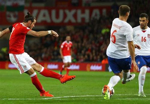 Bale ghi bàn, nhưng không đủ cứu Wales khỏi đà xuống dốc