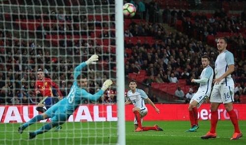 Anh mất chiến thắng trước Tây Ban Nha vì hai bàn thua trễ