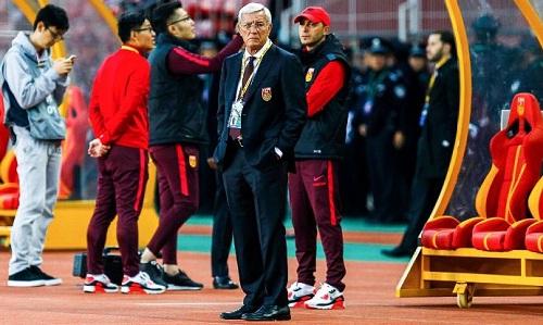 Trung Quốc không thắng trận thứ năm, đứng chót bảng dù có Lippi