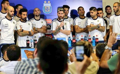 Messi dẫn đầu nhóm tuyển thủ Argentina tẩy chay báo chí