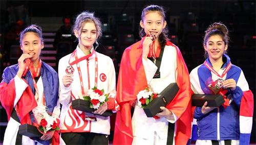Võ sĩ 15 tuổi giúp Việt Nam đoạt HC vàng giải taekwondo trẻ thế giới