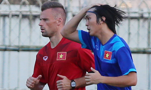 """VFF: """"Tuấn Anh nghỉ AFF Cup 2016 để không tổn hại sự nghiệp"""""""