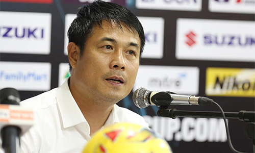 HLV Hữu Thắng thừa nhận Việt Nam thắng may mắn