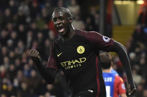 Yaya Toure ghi cú đúp, Man City áp sát Liverpool ở ngôi đầu