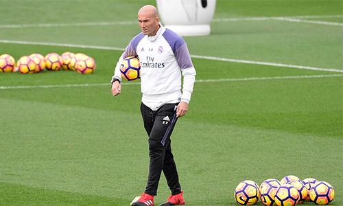 Zidane vượt Guardiola và Mourinho, lập kỷ lục mới ở La Liga