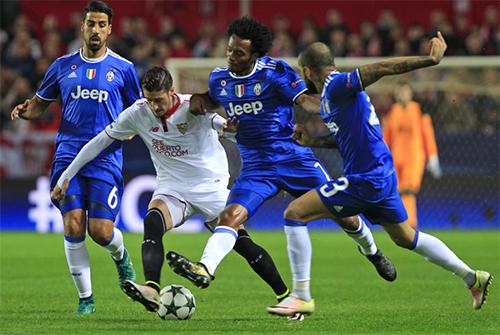 Juventus thắng ngược Sevilla, giành vé đi tiếp