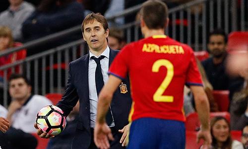 HLV Tây Ban Nha bầu Messi làm Cầu thủ hay nhất năm của FIFA