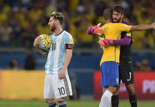 HLV tuyển Brazil loại Messi khỏi ba vị trí dẫn đầu giải của FIFA