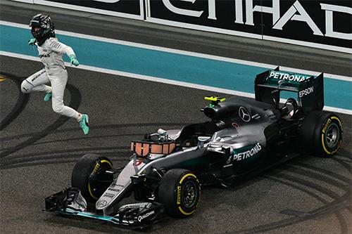 Tân vô địch F1 thế giới bất ngờ tuyên bố giải nghệ