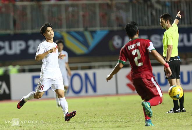 HLV Riedl không cho cầu thủ câu giờ trong trận thắng Việt Nam - ảnh thể thao