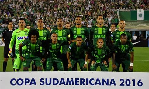 chapecoense-duoc-trao-chuc-vo-dich-copa-sudamericana-2016