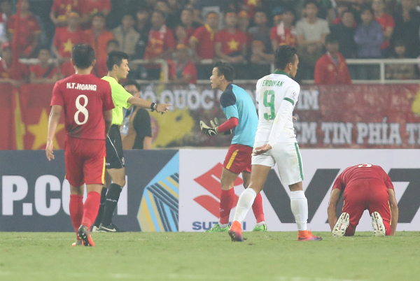 viet-nam-dung-buoc-truoc-indonesia-tai-ban-ket-aff-cup-page-2