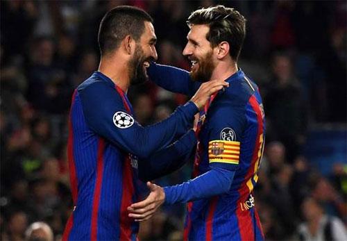 Barca đại thắng ở C1, nhưng Messi lỡ cơ hội phá kỷ lục của Ronaldo