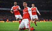 Chiến thắng ngược dòng đưa Arsenal lên đầu bảng Ngoại hạng Anh