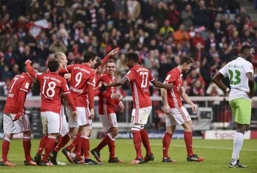 Bayern lên đỉnh Bundesliga, RB Leipzig thua trận đầu tiên