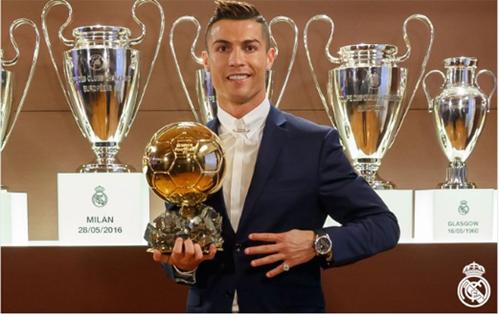 Ronaldo gấp đôi Messi về số điểm bầu chọn ở Quả Bóng Vàng 2016