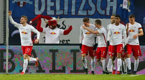RB Leipzig tái chiếm ngôi đầu của Bayern