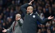 Wenger ví trọng tài ở Ngoại hạng Anh như sư tử trong vườn thú