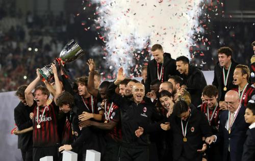 Milan đánh bại Juventus, đoạt danh hiệu đầu tiên sau 5 năm