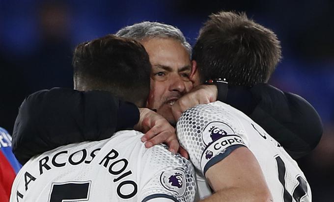 Vòng 18 Ngoại hạng Anh: Chelsea, Man Utd đứng trước cơ hội nối dài mạch thắng