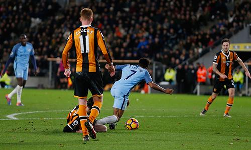 Man City thắng đậm, leo lên nhì bảng Ngoại hạng Anh