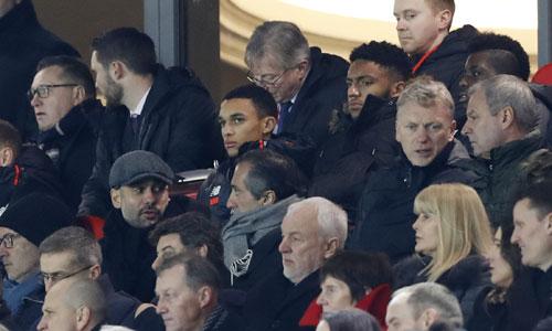 Klopp châm chọc việc Guardiola thăm dò Liverpool