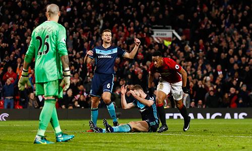 """Mourinho: """"Martial sẽ còn hay hơn nếu nghe lời tôi"""""""