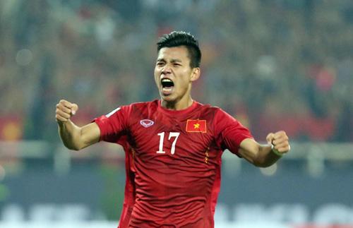 Vũ Văn Thanh đoạt giải nam cầu thủ trẻ xuất sắc năm 2016
