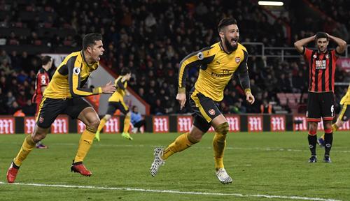 Arsenal thoát thua sau khi bị dẫn ba bàn