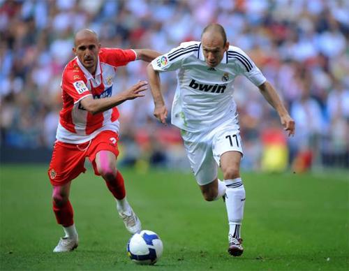 Robben phải rời Real bảy năm trước vì Perez, Ronaldo và Kaka