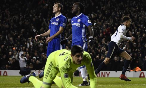 Tottenham cắt đứt mạch thắng của Chelsea, đẩy Arsenal khỏi top 4