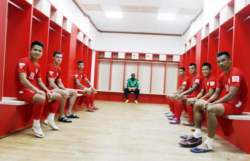 Công Vinh làm phòng thay đồ kiểu Bayern Munich cho cầu thủ TP HCM