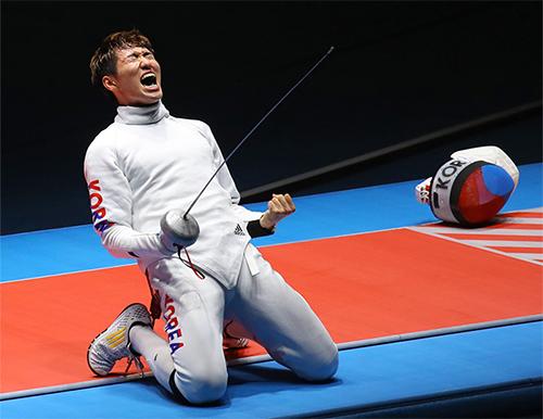 Kiếm thủ Hàn Quốc trả ơn sau khi giành HC vàng Olympic - ảnh 1