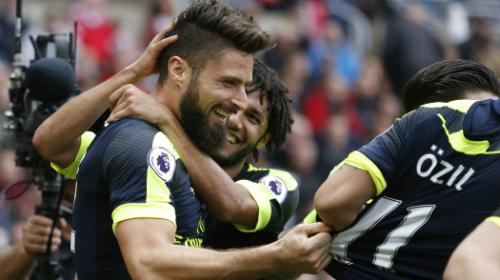 Arsenal đè bẹp đội bét bảng, lên thứ ba Ngoại hạng Anh - ảnh 1