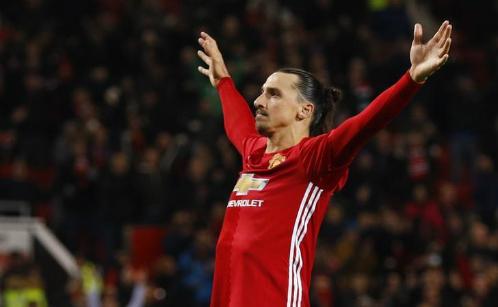 """Ibrahimovic: """"Man Utd đang chờ các đối thủ sảy chân"""""""