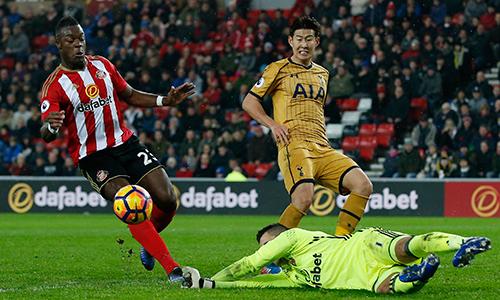 Tottenham vượt Arsenal nhưng chưa thể thu hẹp cự ly với Chelsea