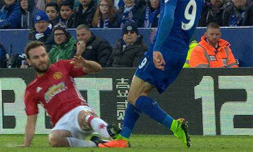 """Mourinho: """"Tất cả đều chống lại Man Utd"""""""