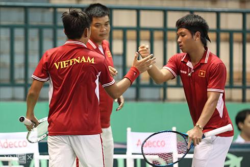 Quần vợt Việt Nam thất bại vì vắt kiệt sức Hoàng Nam, Hoàng Thiên