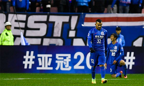 doi-cua-tevez-xin-loi-cdv-vi-noi-ho-then-o-champions-league