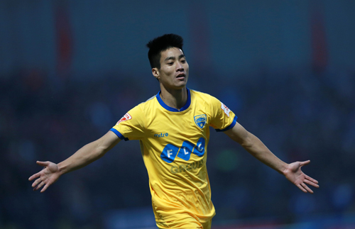 Thanh Hoá đánh bại TP HCM nhờ bàn thắng phút bù giờ