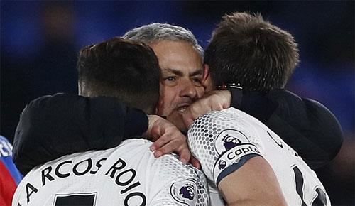 """Carrick: """"Man Utd không vui mừng nếu xếp thứ hai, ba hay bốn"""""""