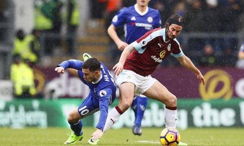 """Gullit: """"Burnley làm phơi bày những điểm yếu của Chelsea"""""""