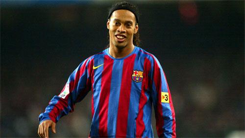 """Ronaldinho: """"Chẳng có gì là bất khả thi trong cặp đấu PSG - Barca"""""""