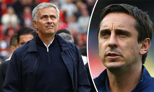 "Gary Neville: ""Mourinho đang ghen tỵ với Chelsea"""
