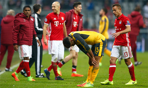 """Paul Merson: """"Arsenal có nguy cơ thành CLB tầm thường"""""""